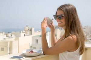 Fruehstueck Balkon Recruitingvideo Malta